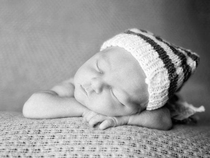 Studio-Newborn-Session mit Constantin, Papas kleinem Jungen, 12 Tage alt