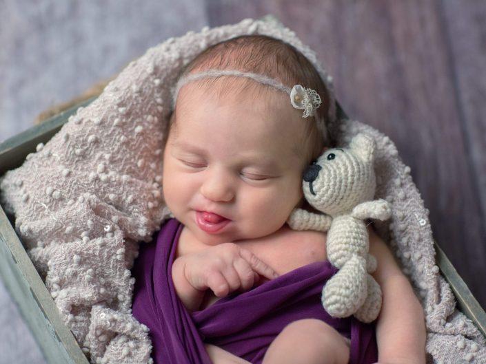 Studio-Newborn-Session mit der hübschen Lisa, Mom's Engel, 8 Tage alt